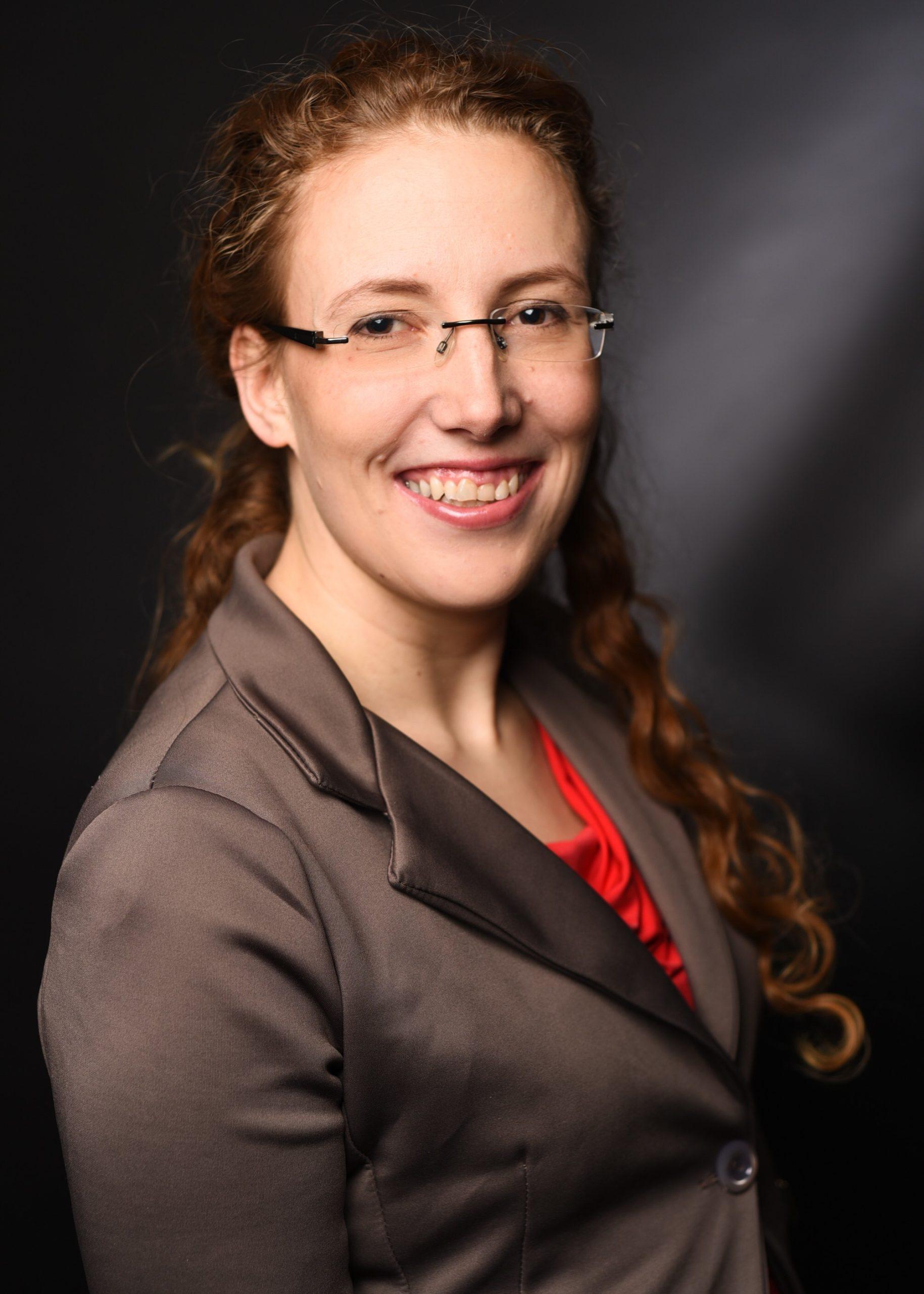 """Profilbild von Christin Buro, die Geschäftsführerin von der Pflegeberatung """"Eine helfende Hand"""""""